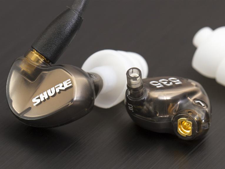 Shure SE535 в комплекте с насадками