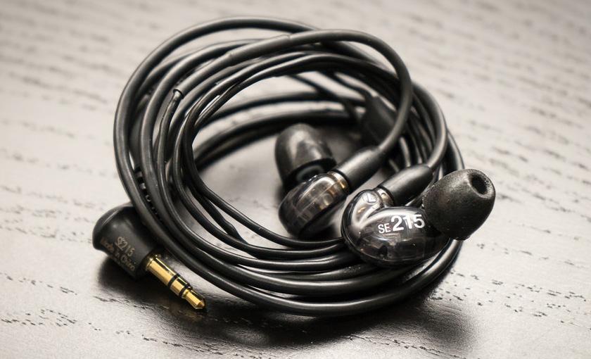 Звукоизолирующие наушники Shure SE215