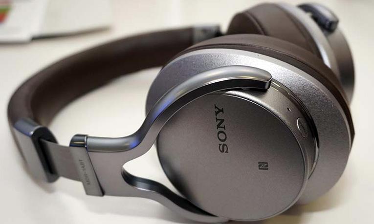 Sony MDR-1ABT очень стильные наушники