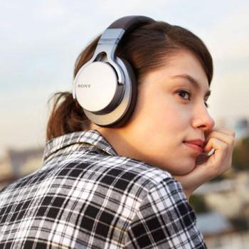 Новые Bluetooth наушники от Sony